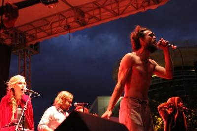 Edward Sharpe and the Magnetic Zeros at Bumbershoot, Seattle, Sept 4 2010. Robyn Hanson photo