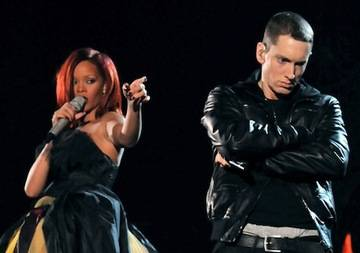 Rihanna and Emimem on the Grammys Feb 13 2011