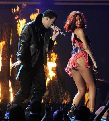 Drake and Rihanna's ass on the Grammys Feb 13 2011