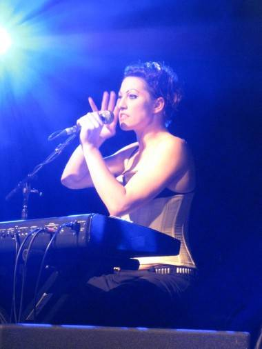 Amanda Palmer live concert photo