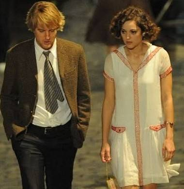 Owen Wilson and Marion Cotillard in Midnight in Paris (2011).