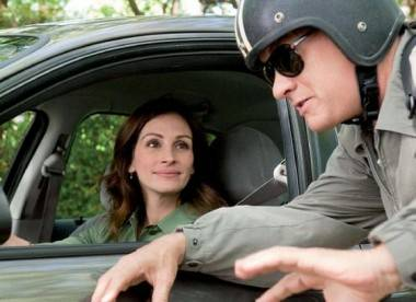 Julia Roberts and Tom Hanks in Larry Crowne.