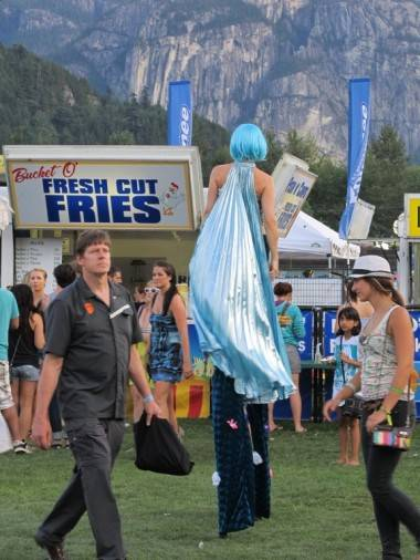 Squamish Live stilt walker