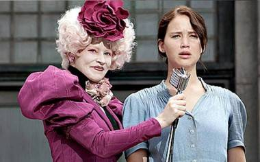 Elizabeth Banks and Jennifer Lawrence Hunger Games movie image