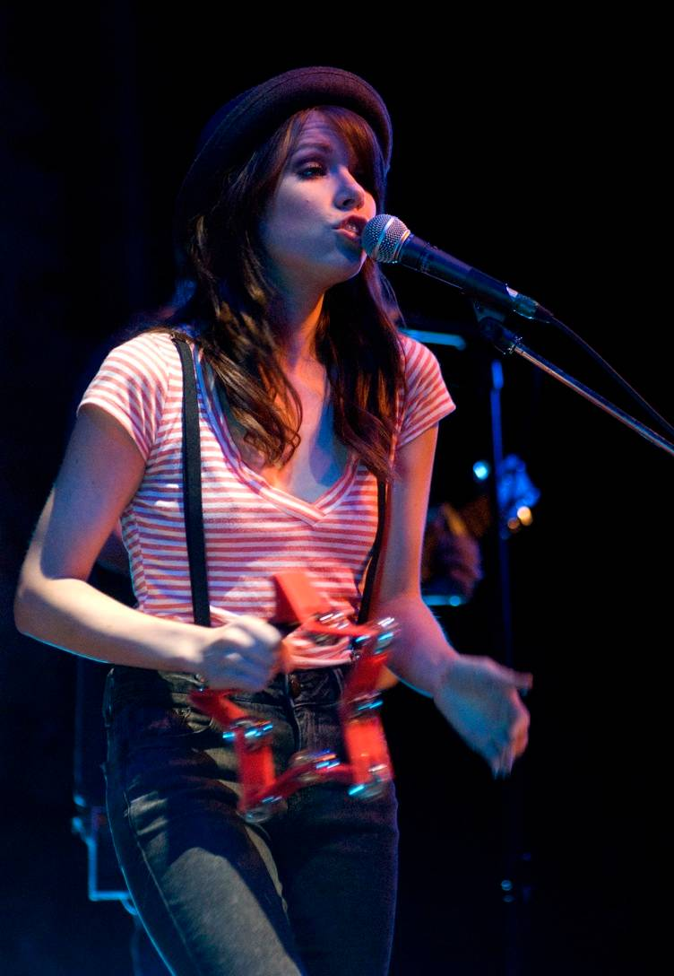 Carly Rae Jepsen concert photo