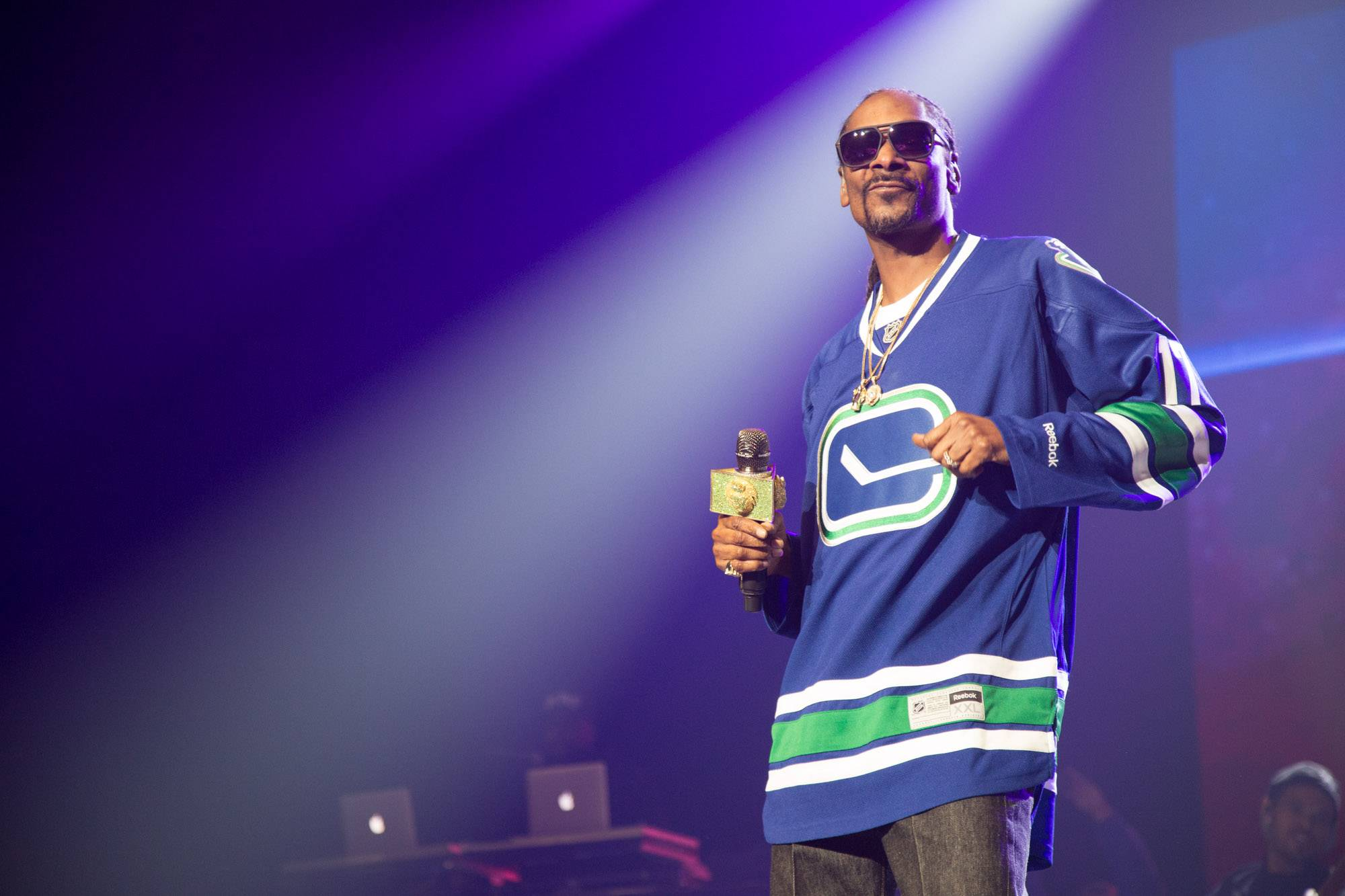 Snoop Dogg at Rogers Arena, Vancouver, Apr. 14 2017. Kirk Chantraine photo.