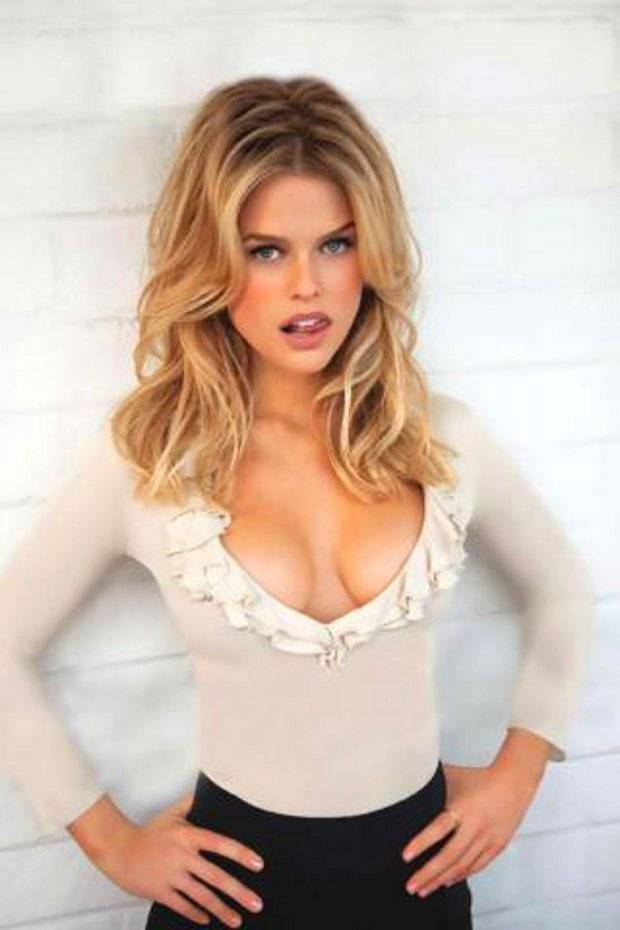 Alice Eve Star Trek Into Darkness S