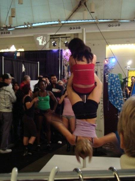 pole dancing photo