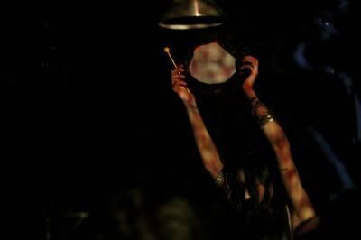 Elizabeth Hart with Psychic Ills concert photo