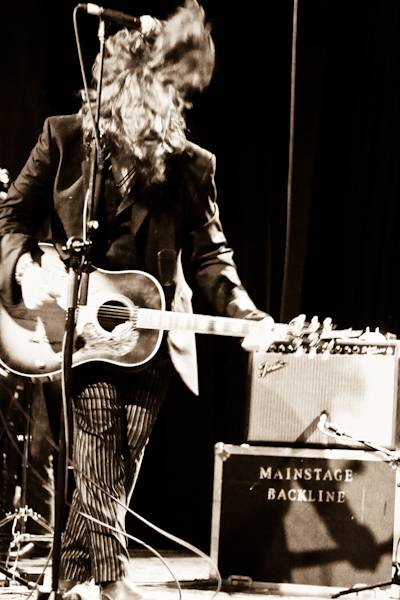 Tom Wilson with Lee Harvey Osmond concert photo