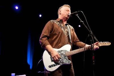 Billy Bragg at the Commodore Ballroom, Vancouver, Nov 21 2009. Jordana Meilleur photo