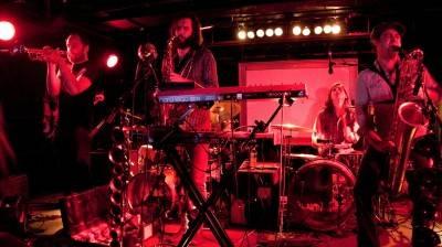 NOMO band