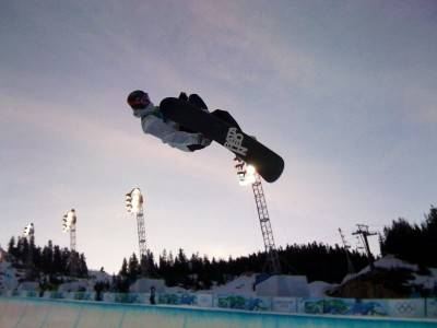 Team Canada's Justin Lamoureux going big in the men's snowboard half pipe semifinal