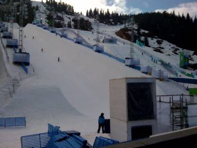 All's well in the sunshine on Cypress as women's SBX racing begins