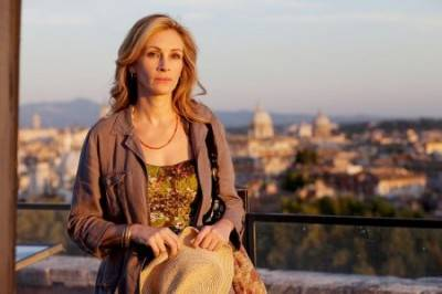 Julia Roberts looking contemplative in the movie Eat Pray Love. It's called acting, people.