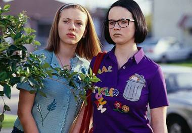 Scarlett Johansson and Thora Birch in Ghost World movie image.