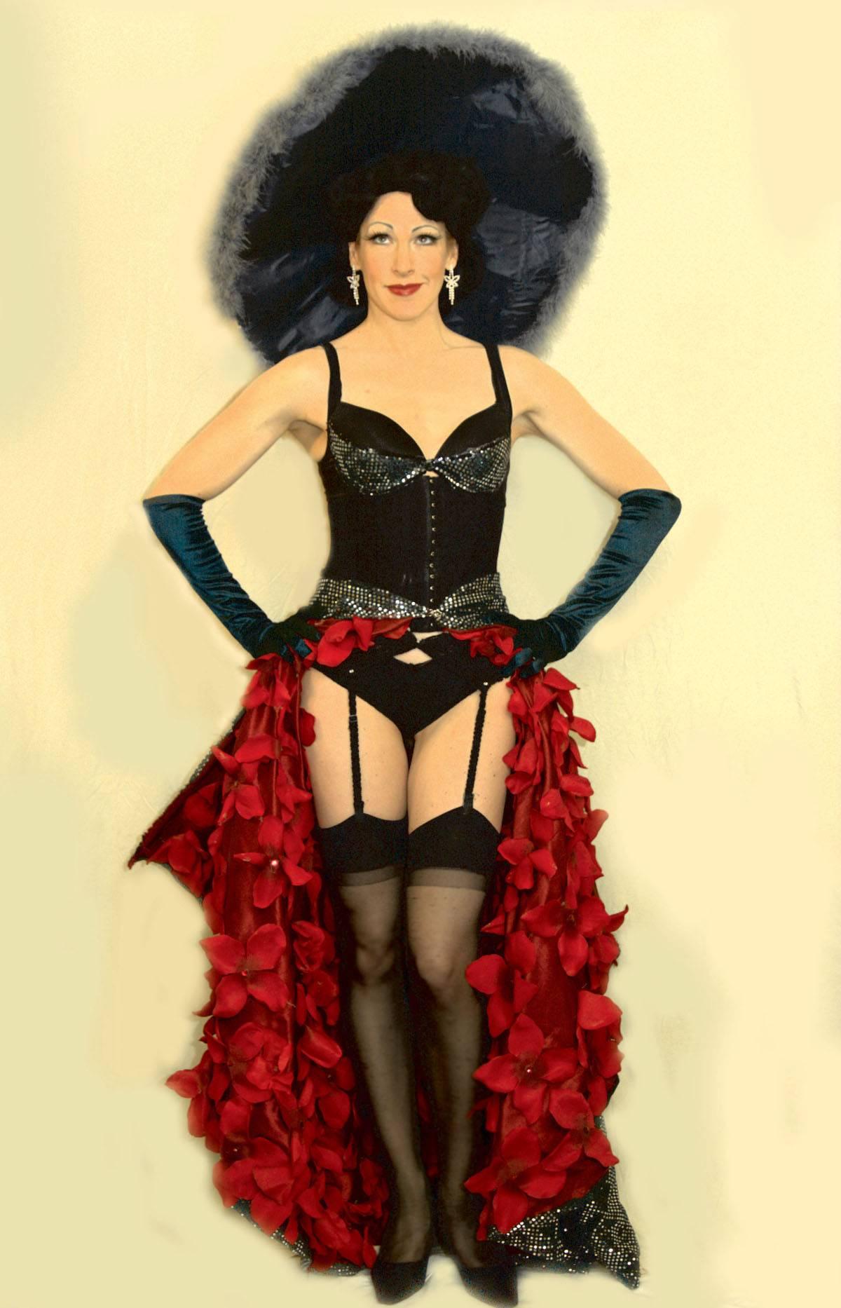 Burgundy Brixx burlesque dancer