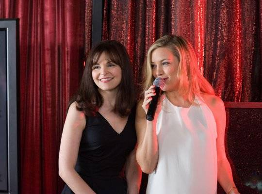 Ginnifer Goodwin and Kate Hudson in Something Borrowed (2011)