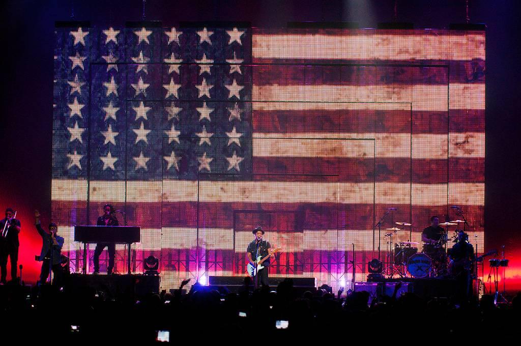 Bruno Mars at Rogers Arena, Vancouver, June 3 2011. Ashley Tanasiychuk photo
