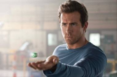 Ryan Reynolds in Green Lantern (2011).