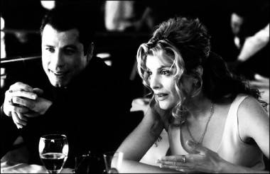 John Travolta and Rene Russo in Get Shorty (1995).