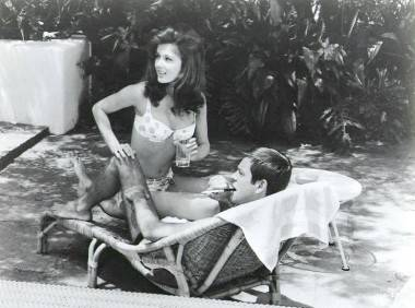 Pamela Tiffin and Robert Wagner in Harper (1966).