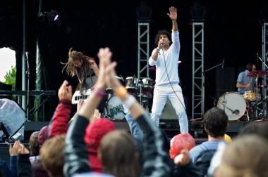Kuba Oms and the Velvet Revolution live at Rifflandia