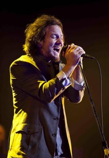 concert photos Pearl Jam