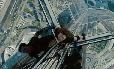 Tom Cruise in Mission Impossible IV: Ghost Protocol movie image