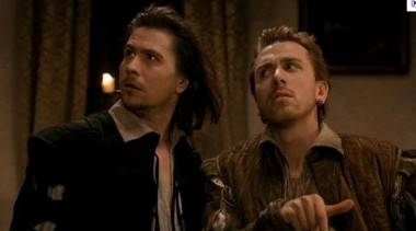 Gary Oldman and Tim Roth in Rosecrantz & Guildenstern Are Dead movie image