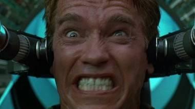 Arnold Schwarzenegger in Total Recall 1990 image