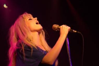 Mette Lindberg with Asteroids Galaxy Tour concert photo
