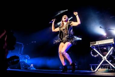 Emily Haines with Metric at Rogers Arena photo
