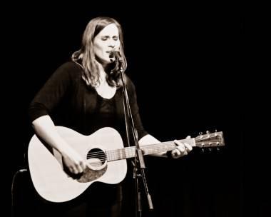 Rose Cousins concert photo