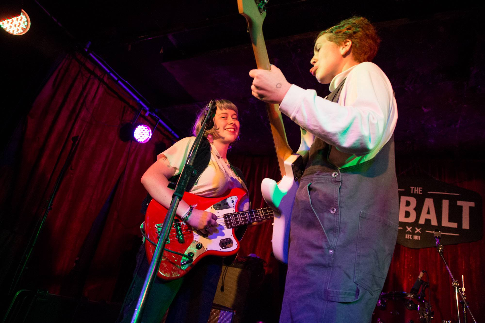 Girlpool at the Cobalt, Vancouver, Oct 27 2015. Kirk Chantraine photo.