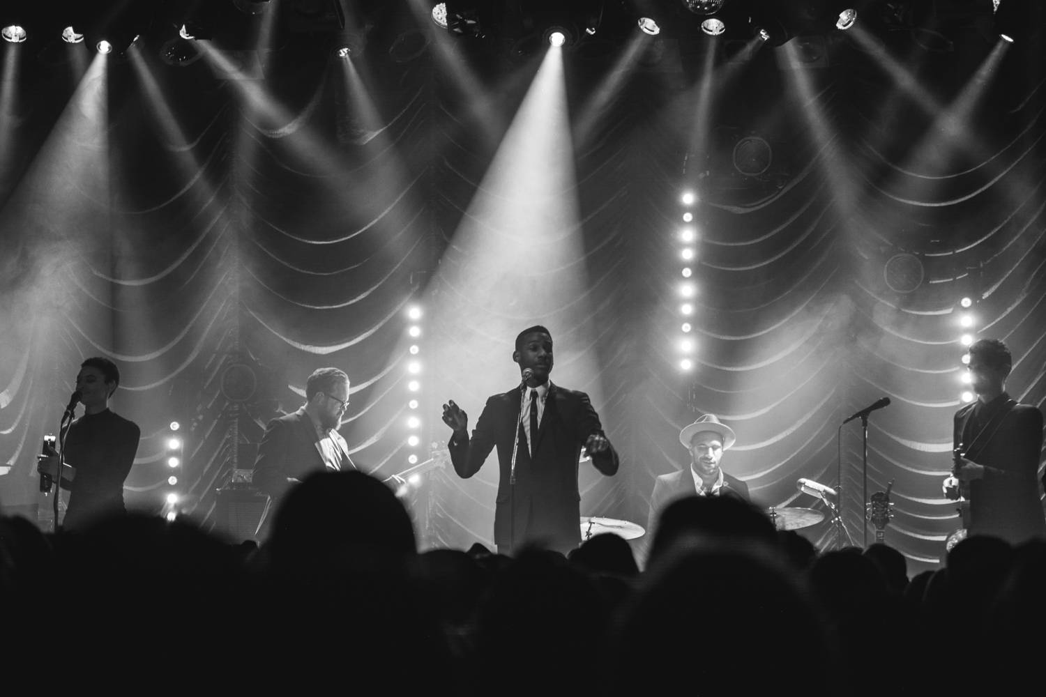 Leon Bridges at the Commodore Ballroom, Vancouver, Nov 3 2015. Pavel Boiko photo.