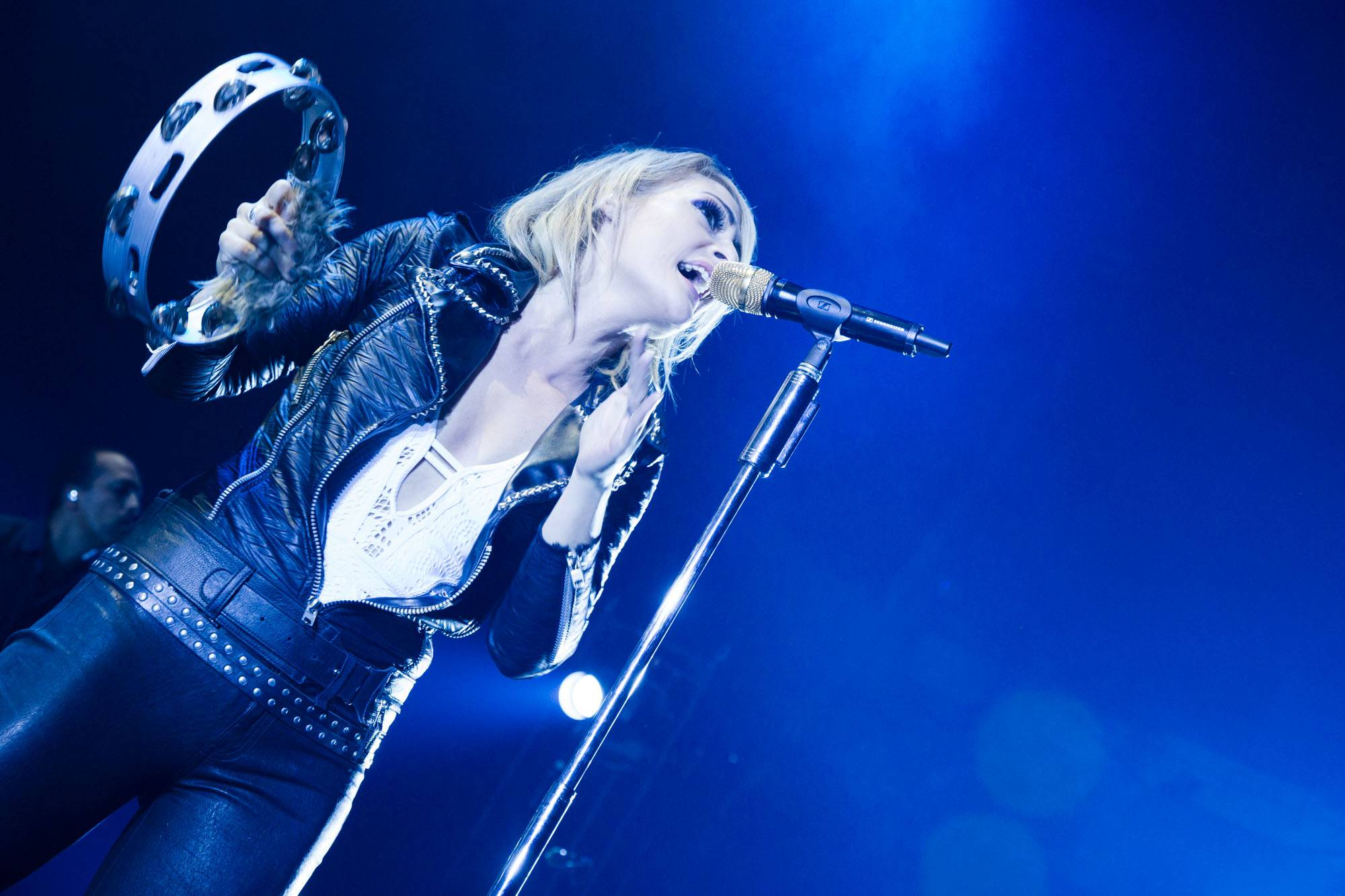 Metric at the Thunderbird Arena, Vancouver, Apr. 1 2016. Kirk Chantraine photo.