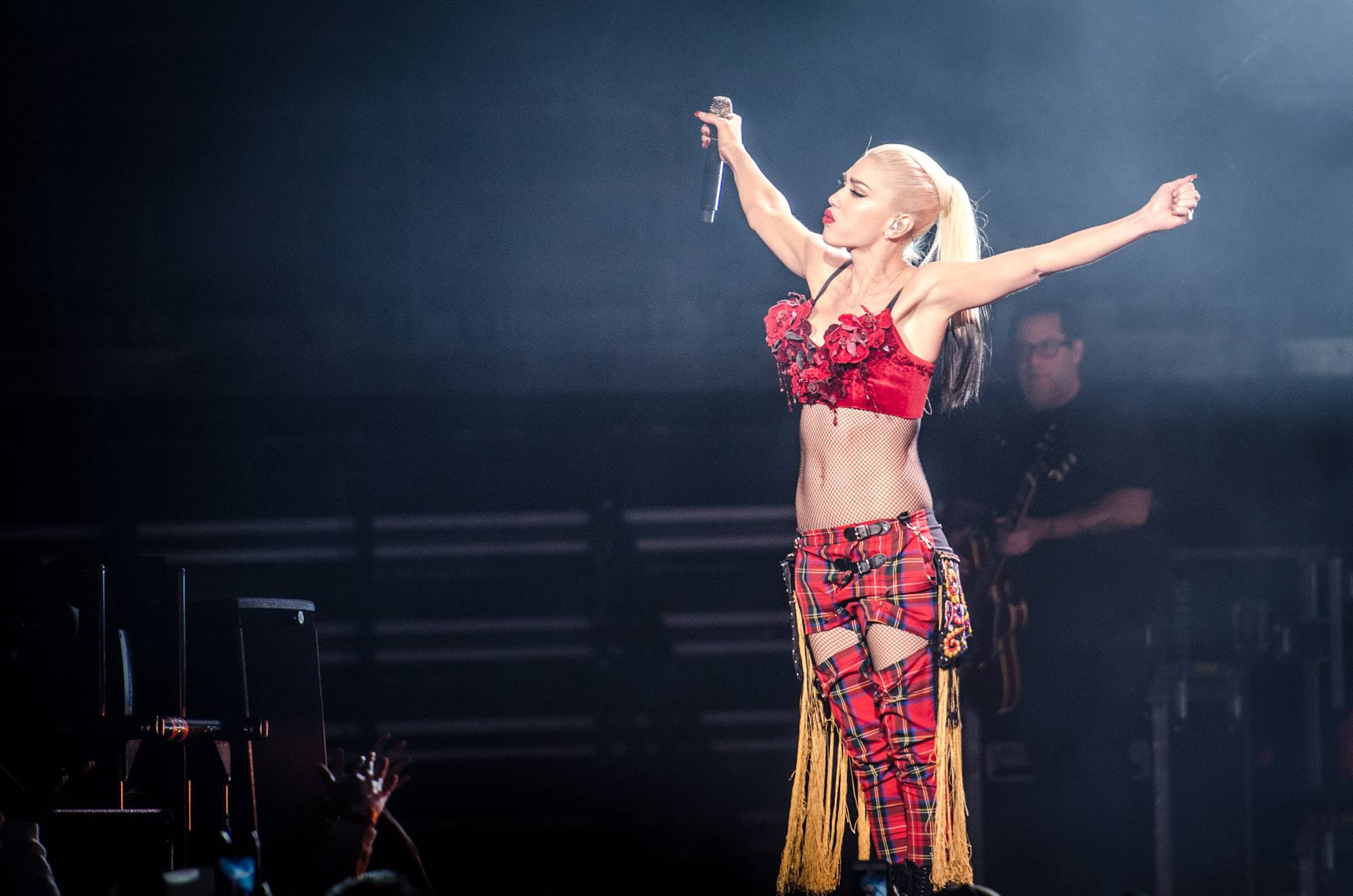 Gwen Stefani at Rogers Arena, Vancouver, Aug. 25 2016. Jason Martin photo.