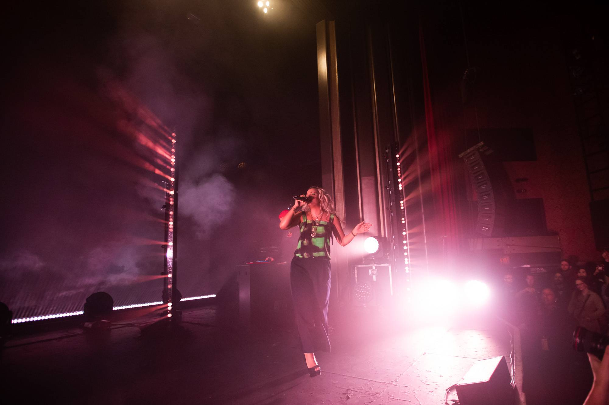 Lily Allen at the Vogue Theatre, Vancouver, Nov 9 2018. Kirk Chantraine photo.
