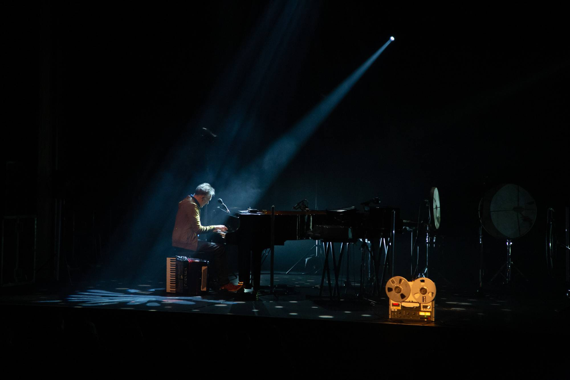 Yann Tiersen at the Vogue Theatre, Vancouver, May 14 2019. Kirk Chantraine photo.