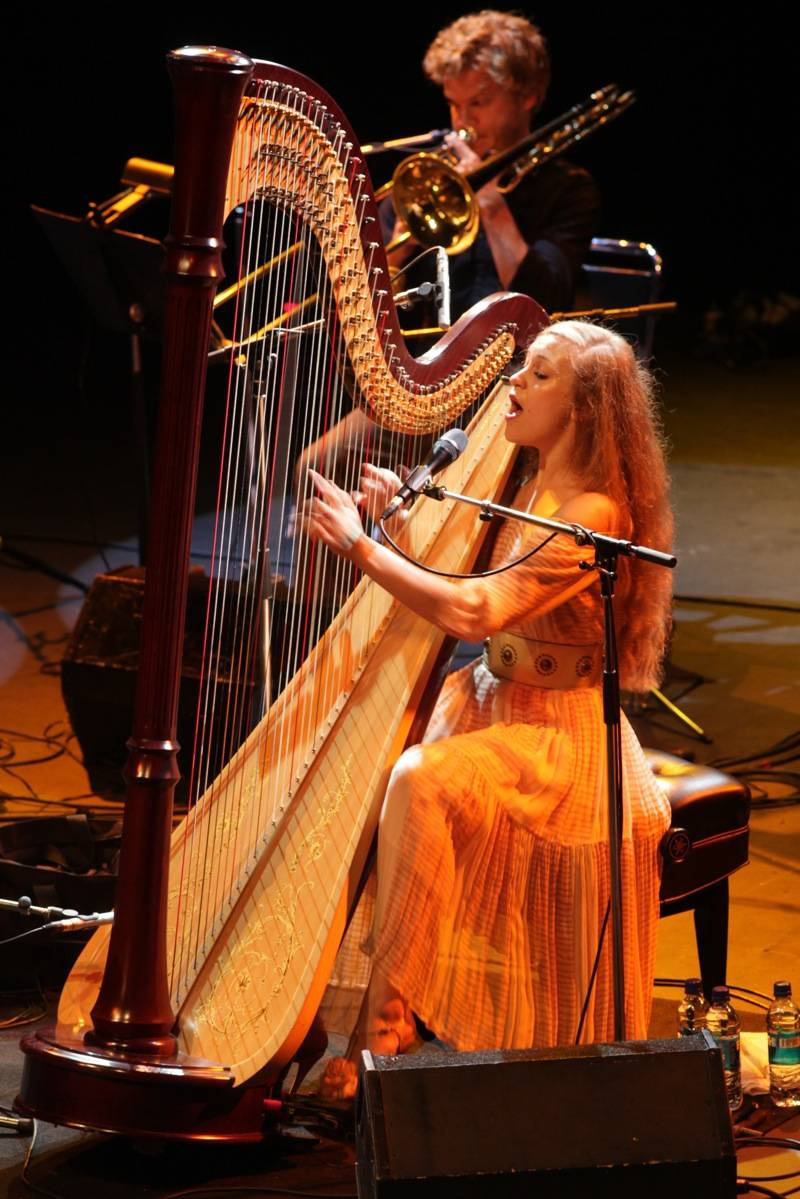 Joanna Newsom At The Vogue Theatre Vancouverreview And Photos